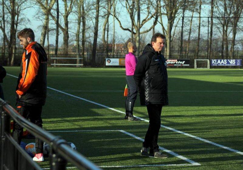 Voetbaldier Willem Zeijlmans oefenmeester ZCFC