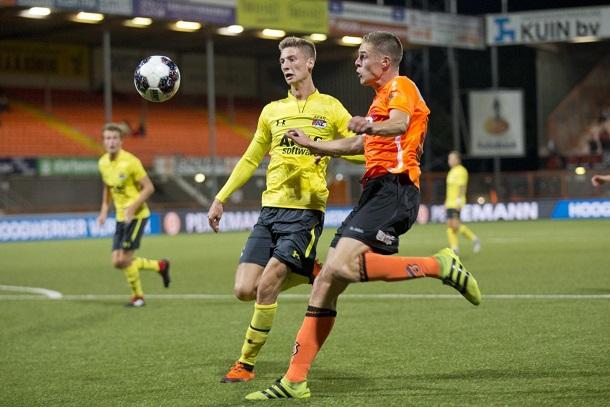 Derby op AFAS Trainingscomplex Zaanstad tussen Jong AZ en FC Volendam