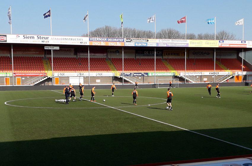 FC Volendam 1 oefent in Wormerveer