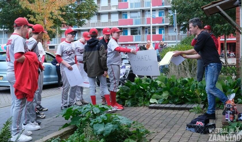 Afscheid met teamyell voor Cromtigers-coach Michael Pommerel