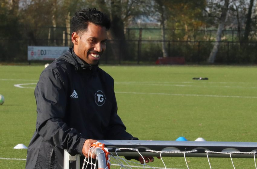 Christopher Manuputty nieuwe trainer ZVV Zaandijk seizoen 2021/22