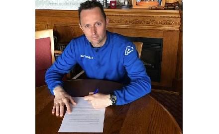 Marco van Biljouw verlengt contract bij dorpsclub vv Assendelft