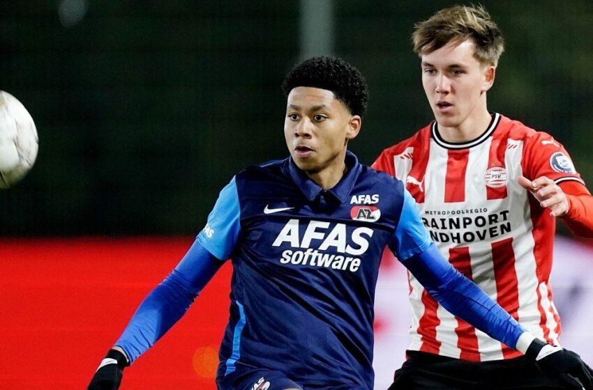 Jong AZ loopt in Eindhoven onnodige nederlaag tegen PSV op