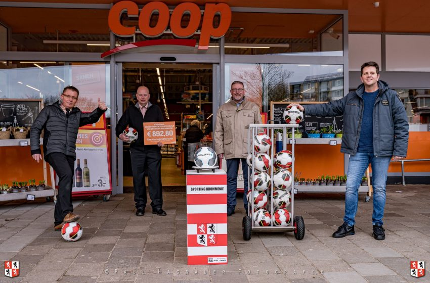 Sporting Krommenie blij met geldbedrag aan lege flessen COOP