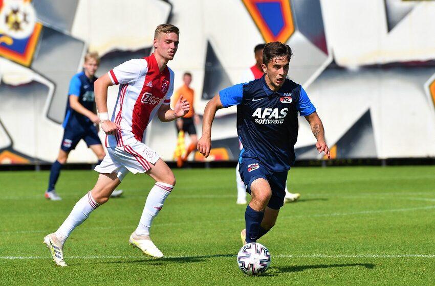 Jong AZ ontvangt Jong Ajax