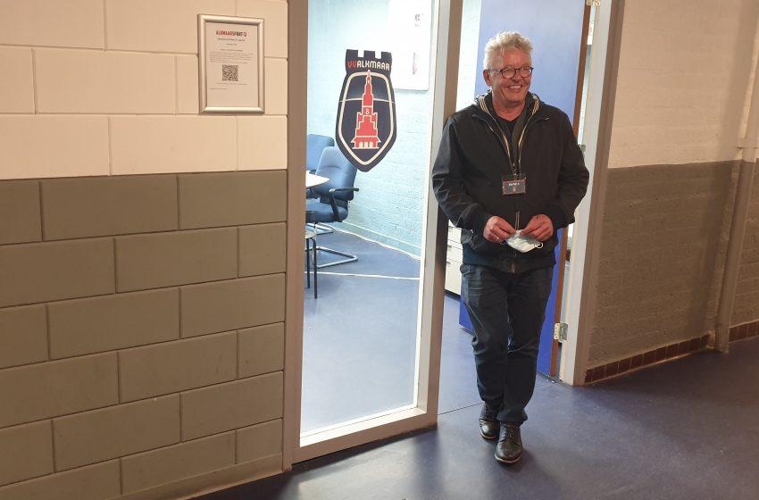 Ras Westzaner Arno van den Broek bekend gezicht in het vrouwenvoetbal