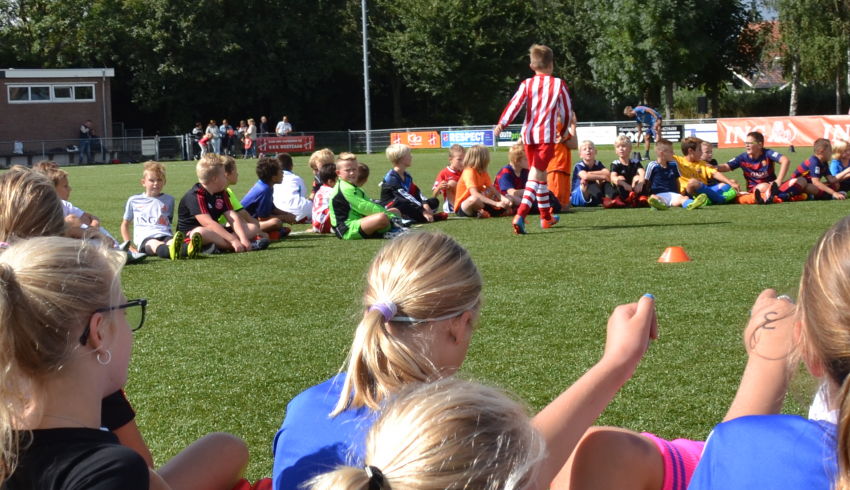 Zaansche College Cup meidentoernooi bij vvv Westzaan