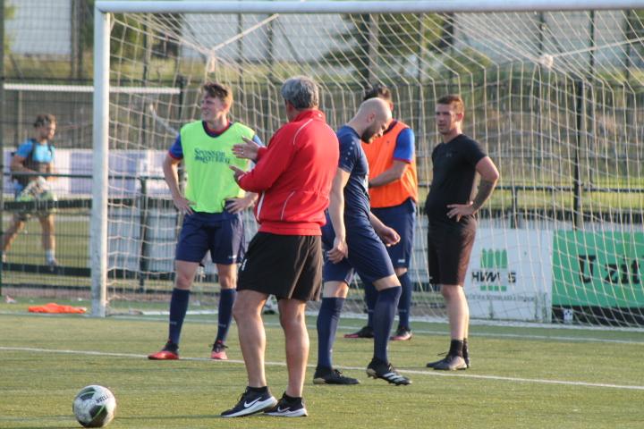 Marcel Blank met ambitieus Fortuna Wormerveer (zat) in training