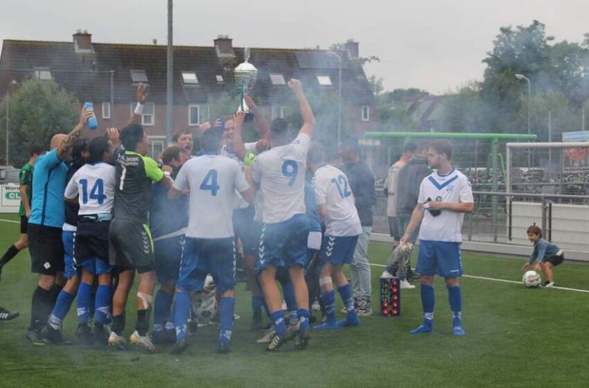 Saenden met 1e en 2e elftal grote winnaar Freek Hypotheektoernooi
