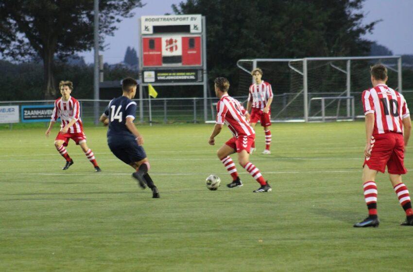 Doelpuntrijk oefenduel tussen vvv Westzaan 2 en Sporting Krommenie 0-23