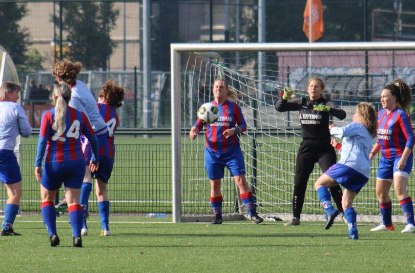 Prima voetbalmiddag KFC Vrouwen 35+ in de Metropool van Amsterdam-Zuid